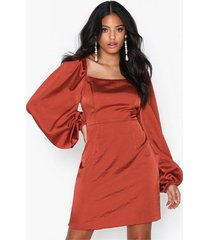 glamorous puffy sleeve satin slit dress fodralklänningar