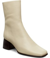 eileen leather boot shoes boots ankle boots ankle boot - heel creme filippa k