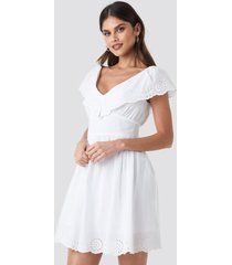 na-kd boho broiderie anglais ruffle dress - white