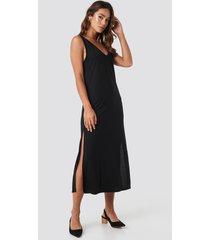 na-kd sleeveless jersey midi dress - black