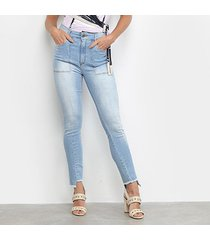 calça jeans enna delavê recortes barra desfiada cintura alta feminina