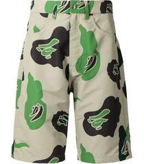 a bathing ape® camouflage print wide-leg shorts - brown