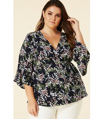 yoins blusa cruzada con estampado floral al azar azul marino de talla grande