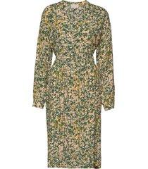 monja dress knälång klänning grön minus