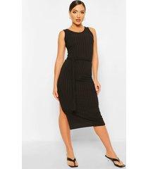 gerecyclede geribbelde jurk met ceintuur, zwart