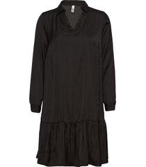 sc-pamela knälång klänning svart soyaconcept