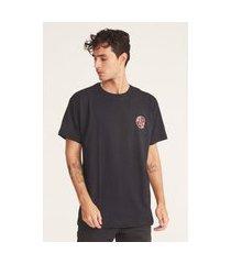camiseta fatal plus size estampada preta