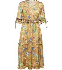 midi length dress with v-neck and ruffles knälång klänning gul scotch & soda