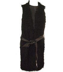 kocca lang zwart fluffy vest met leerlook riem
