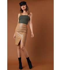 na-kd trend draped pu skirt - brown