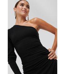 adika x na-kd evangelista one-shoulder dress - black