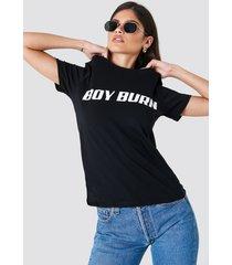 na-kd boy burn tee - black