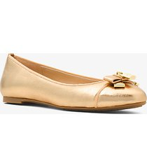 mk ballerina alice in pelle metallizzata - oro pallido (oro) - michael kors