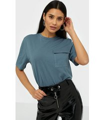 nly trend cargo tee t-shirts