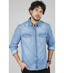 camisa jeans masculina comfort fit com bolsos manga longa azul médio