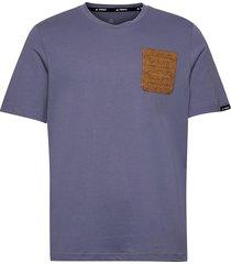 terrex pocket graphic tee t-shirts short-sleeved lila adidas performance