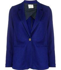 button-down fitted blazer