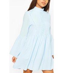 gesmokte jurk met gehaakte accenten in kleine maten, blauw