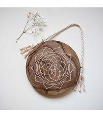 dekoracja ścienna mandala plaster orzecha