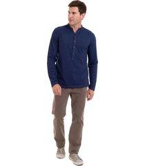 camiseta henley em malha denim hifen - azul - masculino - dafiti