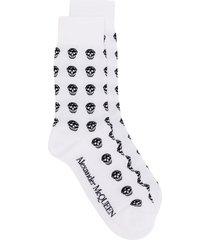 alexander mcqueen multi skull knit socks - white