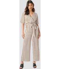 na-kd trend striped jumpsuit - white