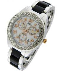 reloj gris montreal