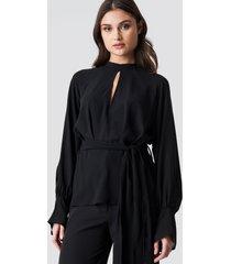 na-kd party high neck knot blouse - black