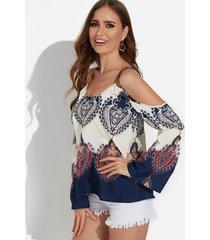 blusa con tirantes de moda con hombros descubiertos y estampado albaricoque