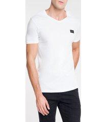 camiseta calvin klein gola v branco