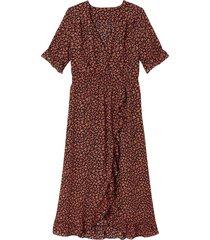 blommig, lång klänning med omlotteffekt