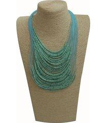 collar chaquiras azul claro