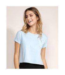 blusa feminina básica cropped com bolso manga curta decote redondo azul claro