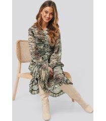 na-kd light chiffon printed dress - multicolor