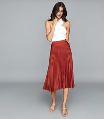 reiss arisa - pleated midi skirt in red, womens, size 10
