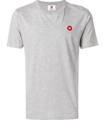 wood wood embroidered logo t-shirt - grey