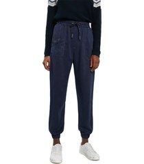 pantalón azul oscuro desigual
