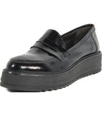 zapato mocasin clásico charol mailea