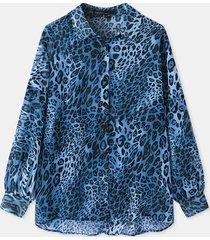camicetta larga da donna con bottoni a maniche lunghe con risvolto stampa leopardata