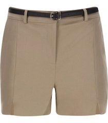 short con cinturon color blanco, talla 6
