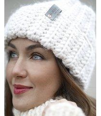 biała wełniana czapka z dodatkiem alpaki
