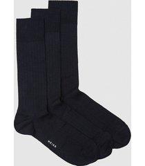 reiss fela - three pack ribbed socks in navy, mens