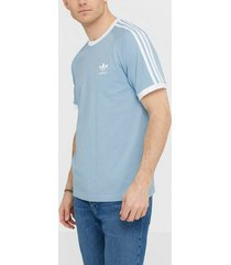 adidas originals 3-stripes tee t-shirts & linnen sky