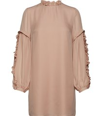 valeria frill sleeve dress blus långärmad rosa mayla stockholm
