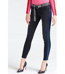 jeansy z cekinowymi wstawkami i paskiem z logo