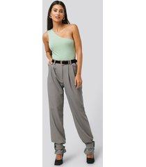 na-kd trend closure suit pants - grey