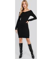 na-kd party slip shoulder bodycon dress - black