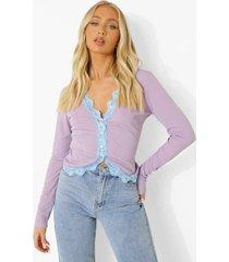 contrasterende top met kanten zoom en knopen, lilac