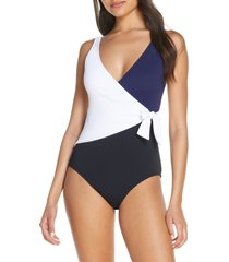 women's tommy bahama colorblock scoop back one-piece swimsuit, size 8 - black