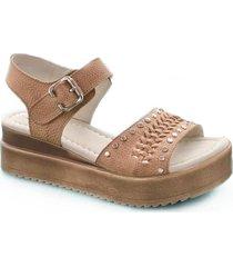 sandalia marrón zuca v503
